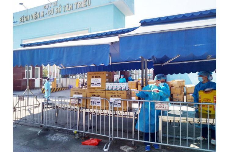 Cấp tốc trao tặng khẩu trang y tế hỗ trợ Bắc Giang, Bắc Ninh